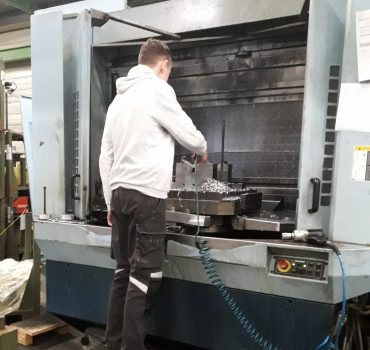 Technicien d'usinage Smecatec sur CUCN MATSUURA HP 630